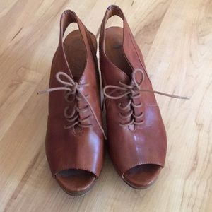 1937 Footwear